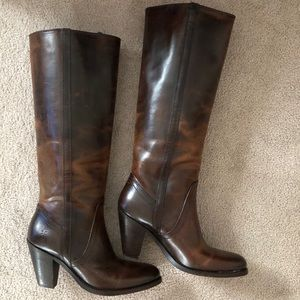 *NWOT  Frye 'Mustang' Boot  (Limited Edition)